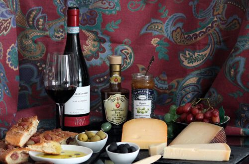 Barbera-viiniä rypälefocacciaa ja juustoja, Viinihetki