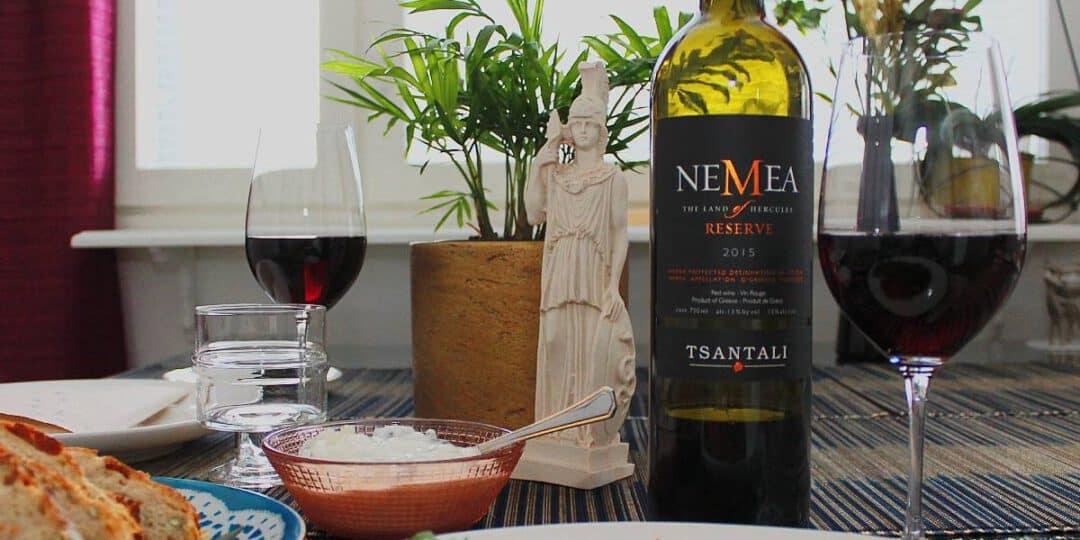 Kreikkalainen punaviini Tsantali Nemea ja Stifado