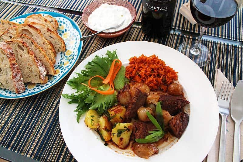 Kreikkalainen lihapata, Stifado, Viinihetki